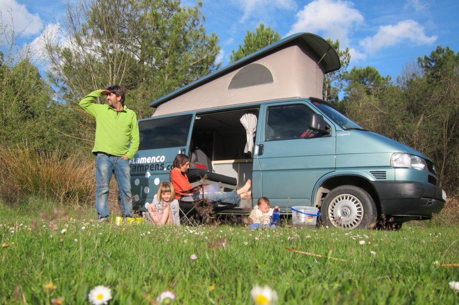 una experiencia en furgoneta camper, con los niños y a toda vela