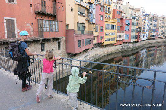 Girona con niños