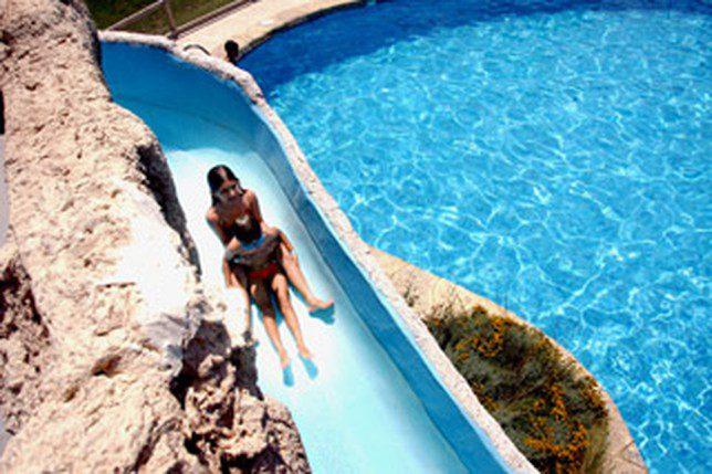 Una selecci n de 15 casas rurales para ir con ni os for Lugares con piscina para pasar el dia