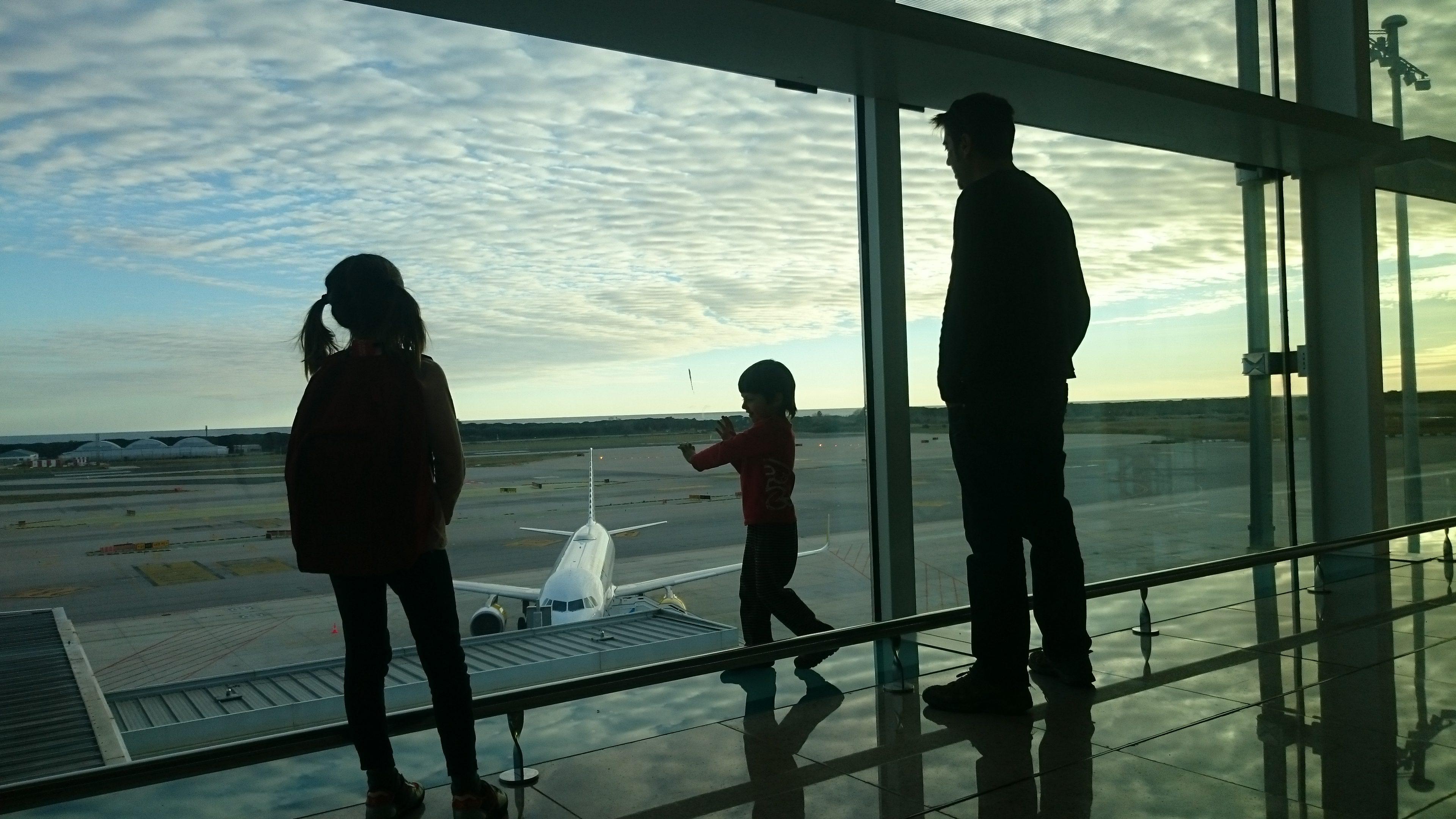 Recomendaciones Para Las Personas Que Van A Viajar A Eeuu: Diez Recomendaciones Para Viajar En Avión Con Niños