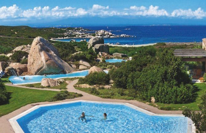 Cerde a con ni os completa gu a para viajar a un para so for Hoteles familiares mediterraneo