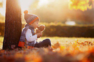 bosques con niños en otoño