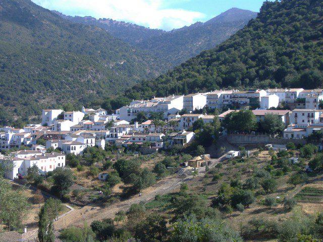 Campings para ir con ni os for Piscinas naturales grazalema