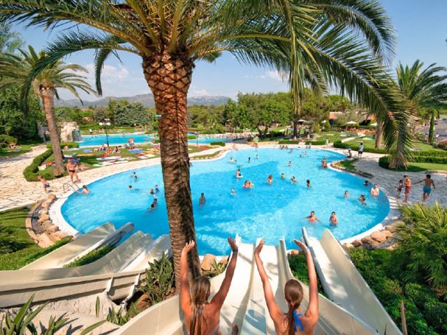 Campings para ir con ni os for Camping con piscina climatizada en tarragona