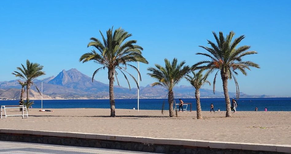 Alicante portada nosaltres4 familias en ruta for Hoteles familiares alicante