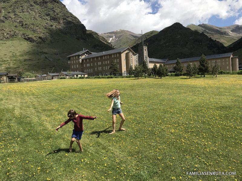 La Vall De Nuria Con Niños En 10 Planes Y Excursiones Para Disfrutar Todo El Año Familias En Ruta